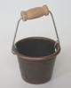古銅色水桶